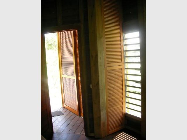 Panneaux coulissants - Maison bois Guadeloupe - Laurent Darviot