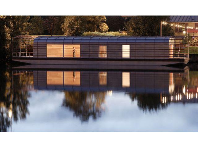Flottante et furtive - rives creatives cité de l'architecture