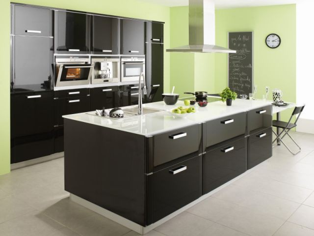 cuisines 2008 bois et couleurs l 39 honneur. Black Bedroom Furniture Sets. Home Design Ideas