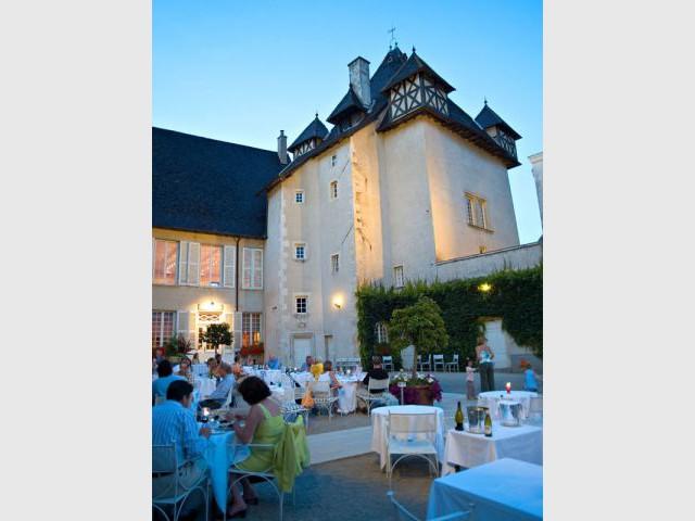 Côté cour - Château de Pizay