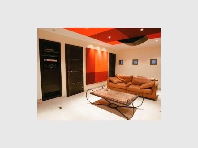 Dos à l'écran - reportage Home Cinema - Abso