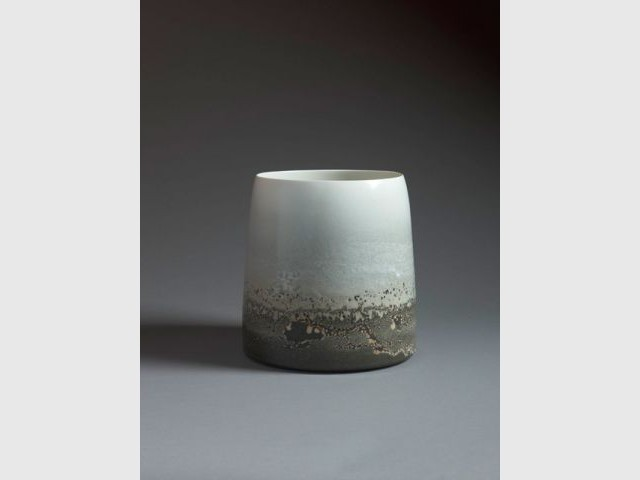 Seau en porcelaine, J. Girel