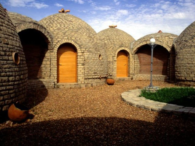 Hôtel-restaurant à Bandiagara- Mali  1996-98