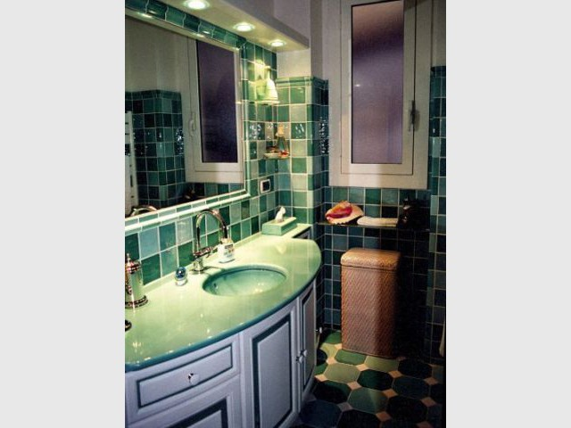 Salle de bain vert amande - Carrelage et céramique Salernes