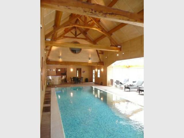 Vue d'ensemble de la piscine - reportage piscine intérieure - Christelle Brosset - Provins