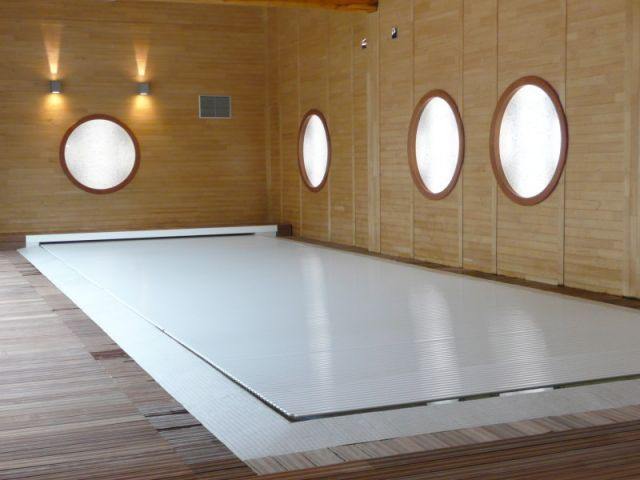 Piscine couverte - reportage piscine intérieure - Christelle Brosset - Provins