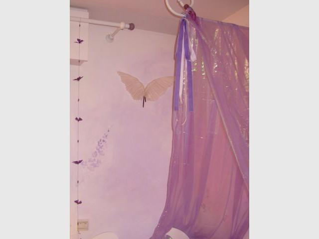 Voilages autour du lit 2/2 - reportage - chambre d'enfant - Fée d'Hiver