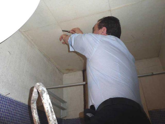 Recherche d'amiante dans le plafond - diagnostic amiante