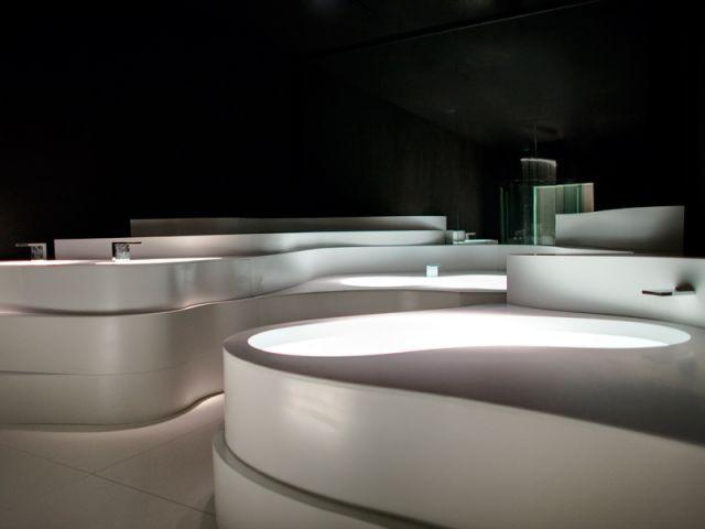 Les vasques forment différents niveaux - Showroom Duralight