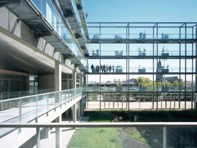Pôle Sciences de gestion, Université Montesquieu, Bordeaux (2006) - Anne Lacaton et Jean-Philippe Vassal