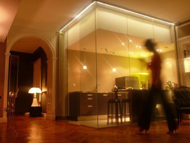 La cuisine dans un cube de verre - Rénovation appartement Lyon