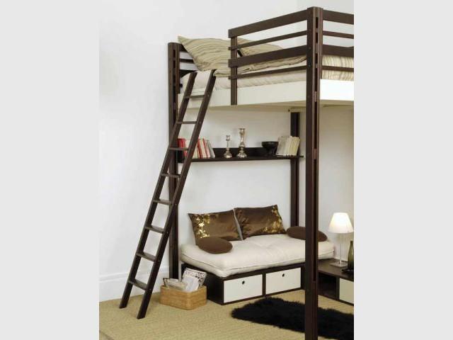 Mezzanine avec accès par échelle