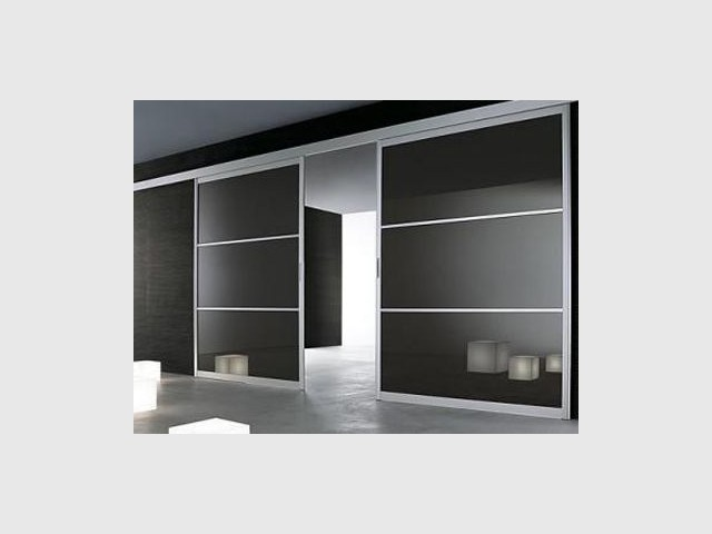 perfect en verre laqu cloisons amovibles with cloison suspendue sans rail au sol. Black Bedroom Furniture Sets. Home Design Ideas