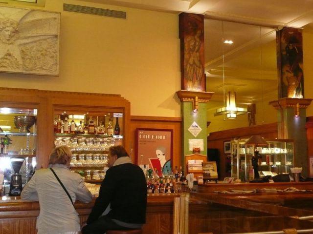 Le bar - La Coupole