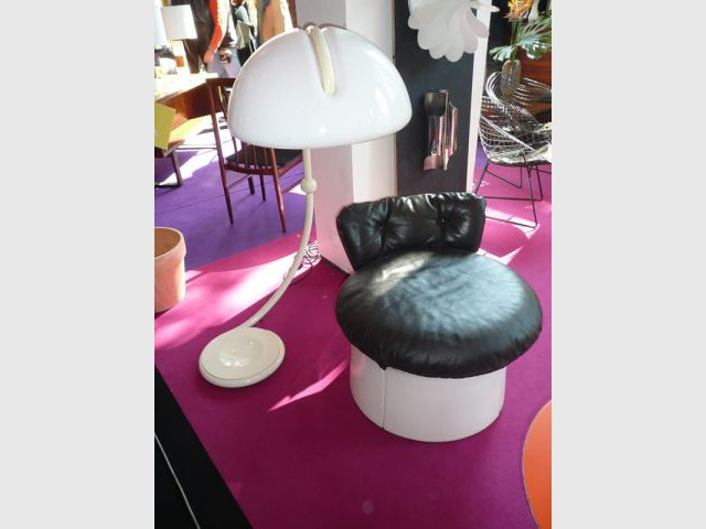 Siège et lampe - Salon du Vintage