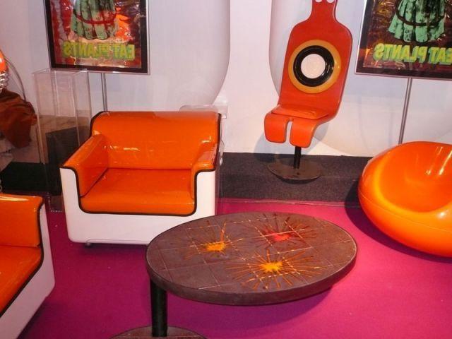 Fauteuil orange - Salon du Vintage