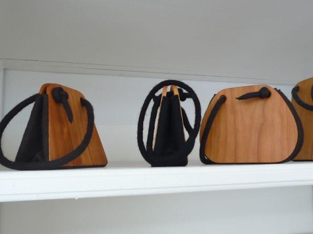Sacs en feutre et bois - Thea de Lange Création textile