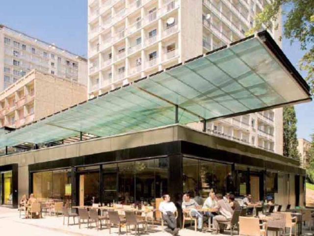 Deux bâtiments commerciaux à Rennes (35)