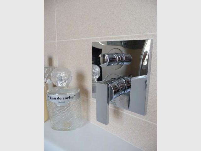 Détail baignoire - reportage salle de bain