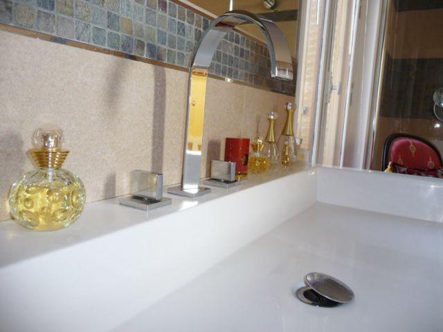 Détail vasque - reportage salle de bain