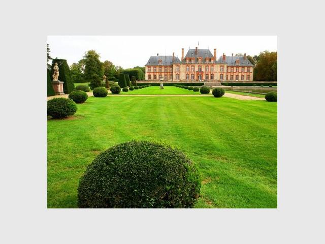 Les jardins du château de Breteuil - Jardins de France