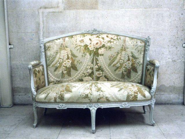 Canapé restauré par Lionel Hück - Elus Maîtres d'Art