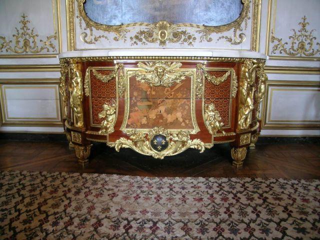 Meuble restauré par Michel Jamet - Elus Maîtres d'Art