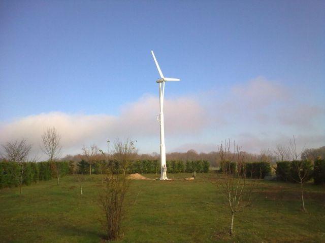 Eolienne - Une éolienne dans mon jardin