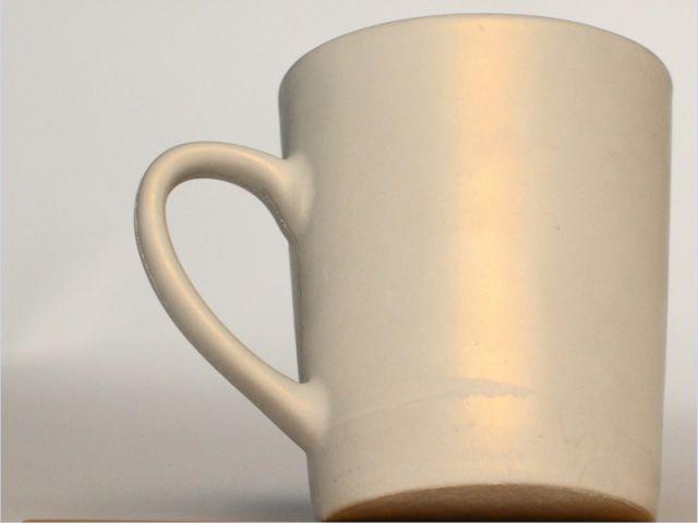 Mug irisé - Béton et objets