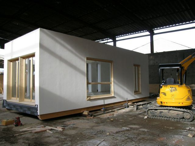 Murs blancs - maison écologique à modules