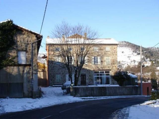 La maison bourgeoise sous la neige - montchal