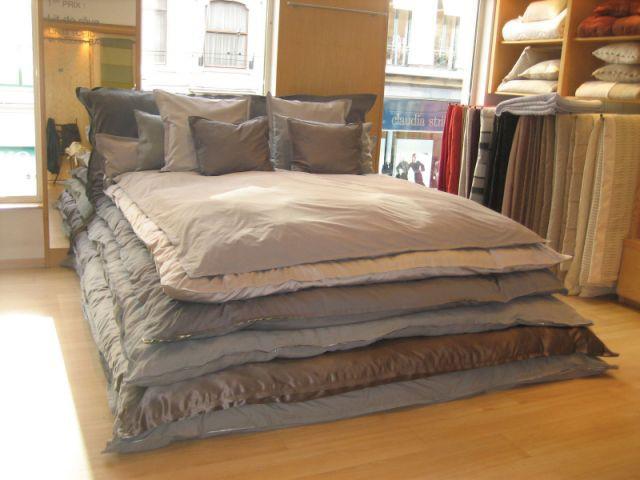 descamps f te ses 150 ans. Black Bedroom Furniture Sets. Home Design Ideas