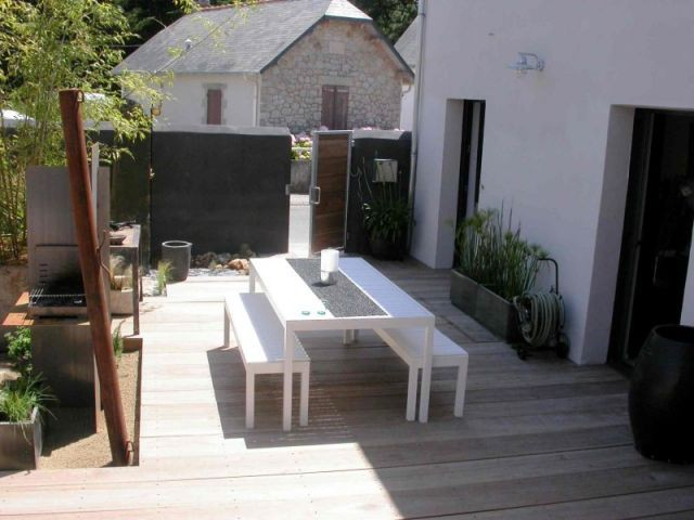une terrasse au parfum exotique. Black Bedroom Furniture Sets. Home Design Ideas