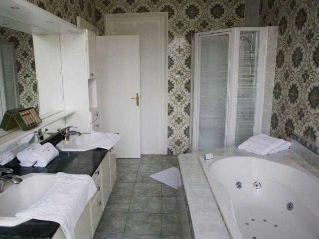 salle de bain de la chambre kenya