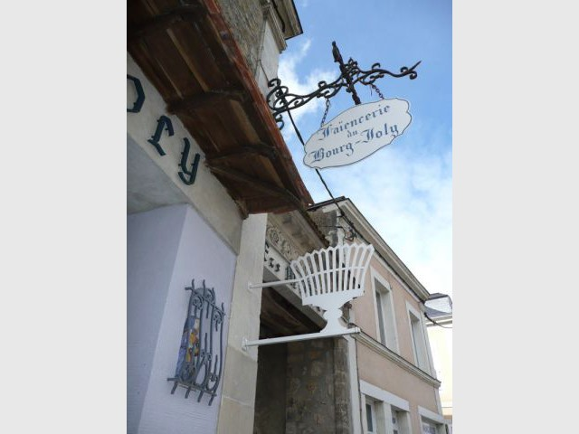 Emblème - Faïencerie Bourg-Joly - Malicorne