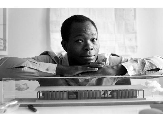 Portrait de Diébédo Francis Kéré