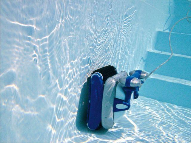 """Le """"Sweepy Free"""" de Zodiac - robot aspirateur piscine"""