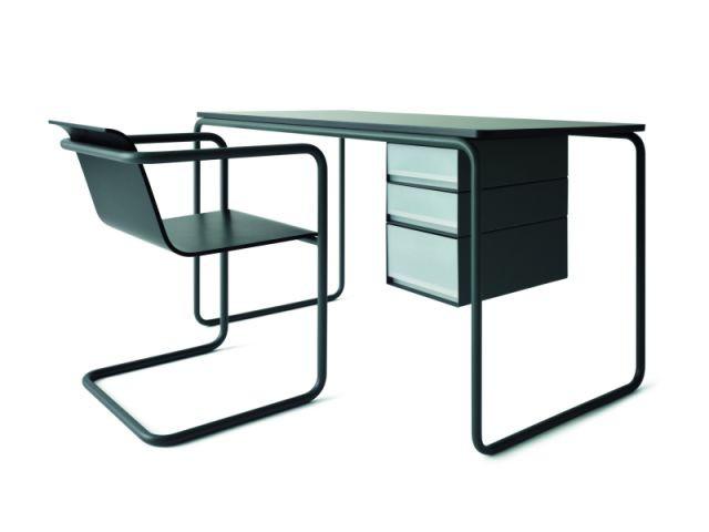 Siège et bureau en tubles d'acier - Chaise Thonet Muji
