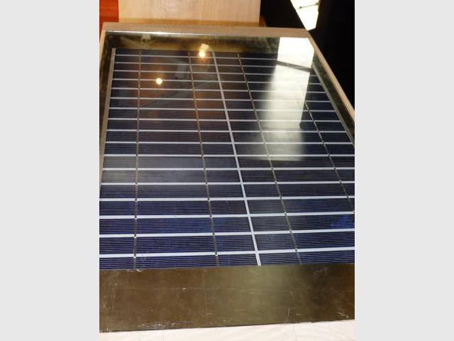 panneaux photovoltaïques d'une commode