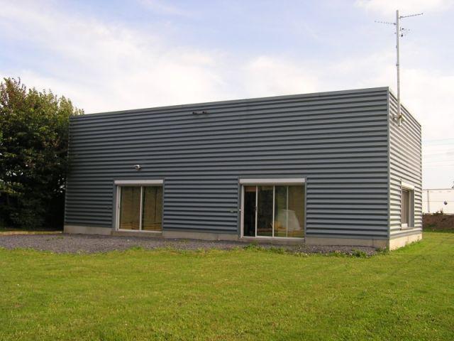 maison seule bâtiment principal