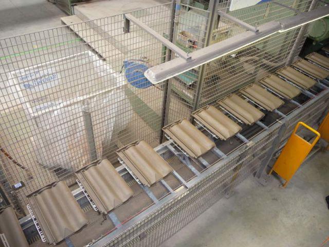 Sortie pressage - Reportage usine Imerys - Tuile terre cuite