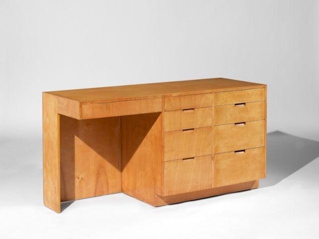 "bureau ""nine-drawer"""