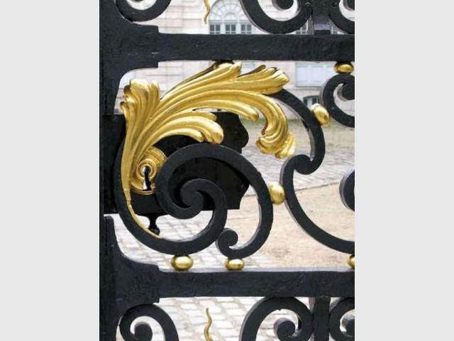 Portail de l'Hôtel Dieu à Troyes