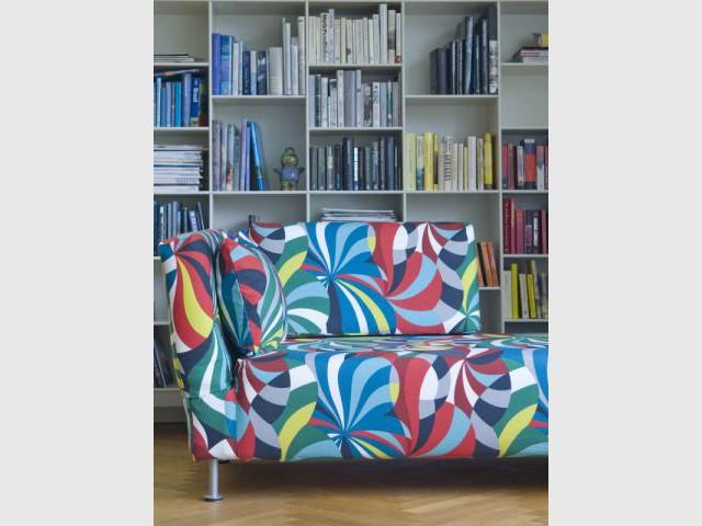 10 solutions pour customiser son canap. Black Bedroom Furniture Sets. Home Design Ideas