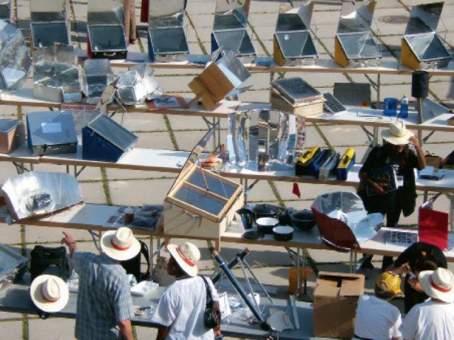 foire de fours solaires à Grenade en Espagne