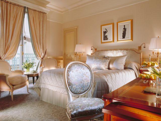 """Une chambre """"classique"""" - Le Meurice"""