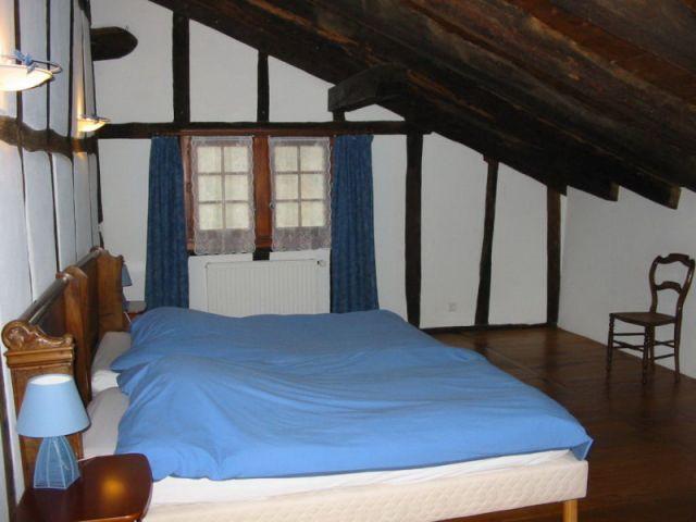 Une chambre sous les toits - maison basque