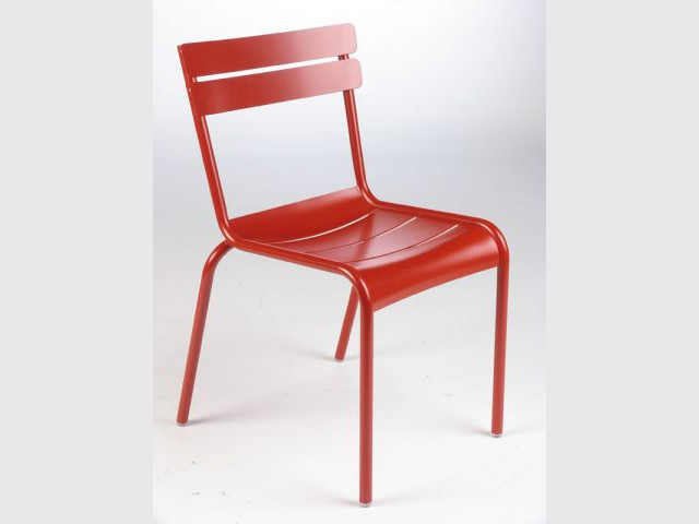 Chaise du Luxembourg rouge