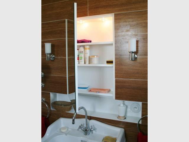 Derrière le miroir... - Arcade Studio - rénovation salle de bains