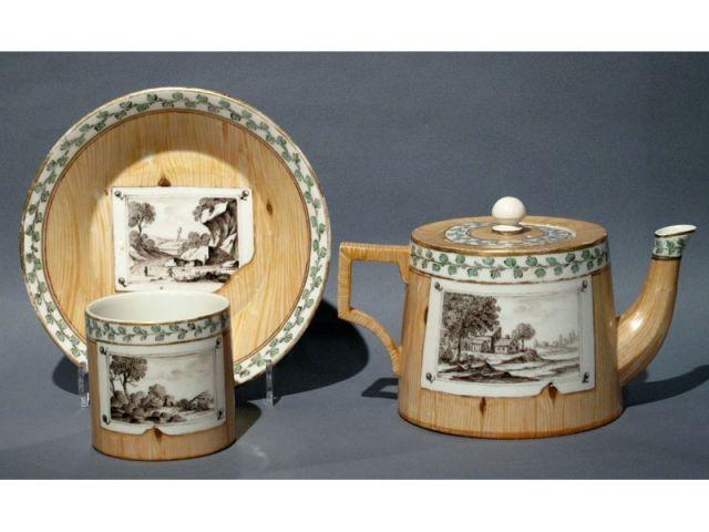 Tasse et rare théière en porcelaine de Nymphembour